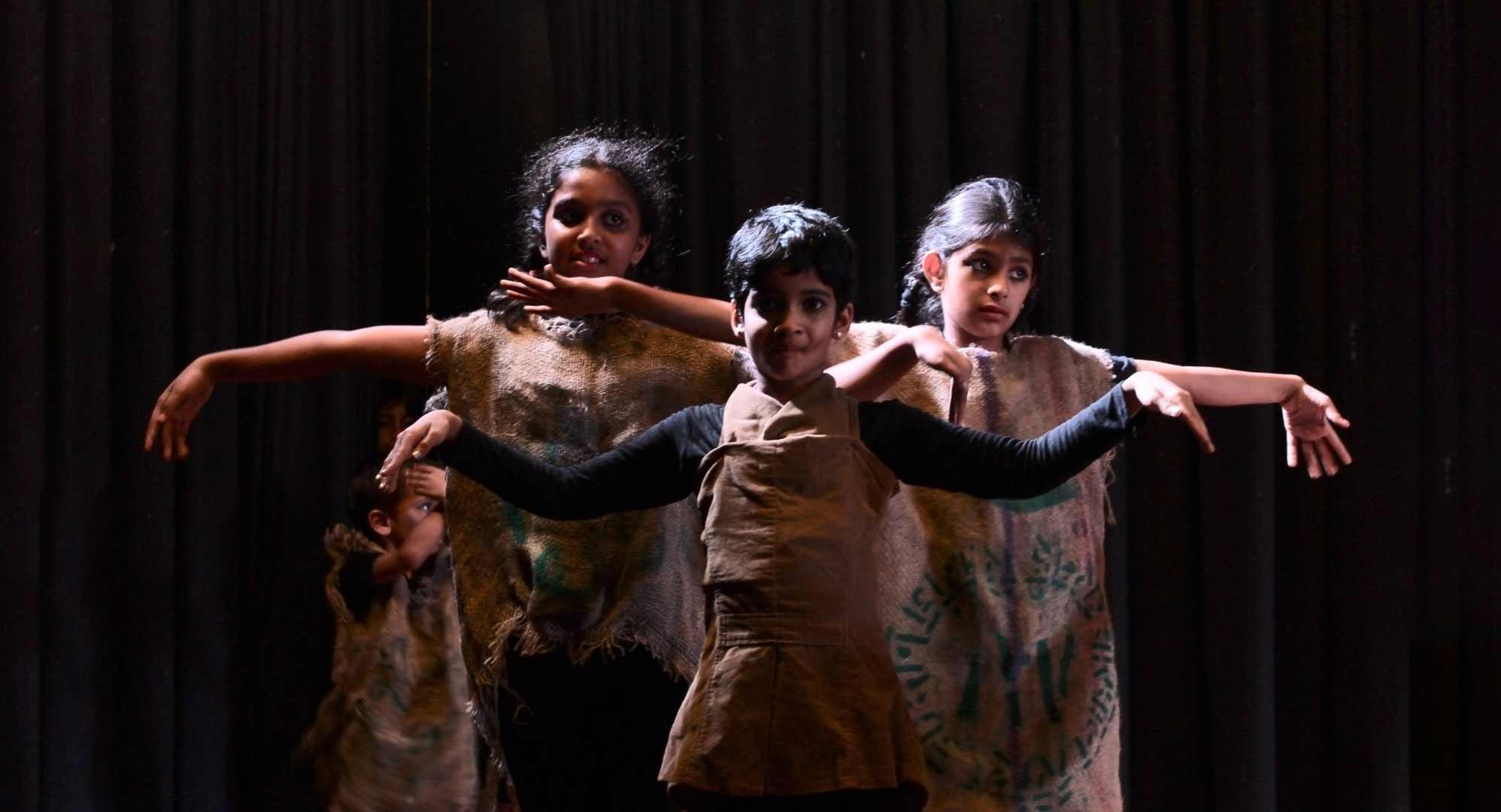 Bogase tumba aakaasha bhoomi, a devised play